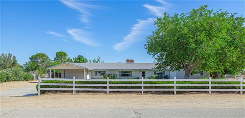 Photo of 1831 W Avenue L12, Lancaster, CA 93534 (MLS # 20006128)