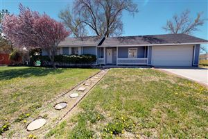 Photo of 17260 Valeport Avenue, Lancaster, CA 93535 (MLS # 19011149)