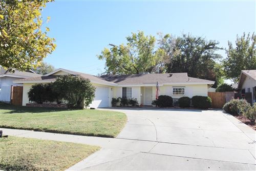 Photo of 1706 W Jackman Street, Lancaster, CA 93534 (MLS # 20009149)