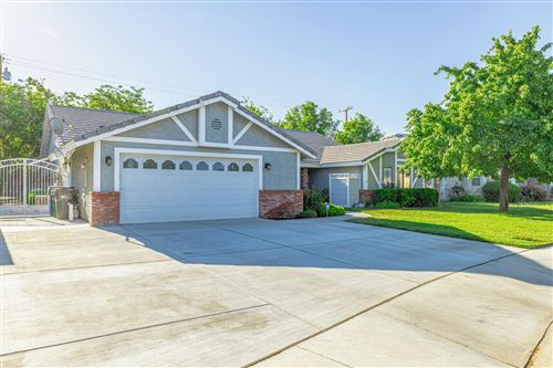 Photo of 1316 Caren Court, Lancaster, CA 93534 (MLS # 20004153)