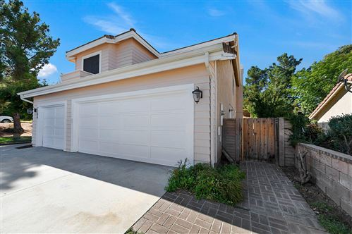 Photo of 7204 Nightingale Lane, Lancaster, CA 93536 (MLS # 19011171)