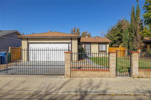 Photo of 2335 Rosewood Avenue, Lancaster, CA 93535 (MLS # 20009208)