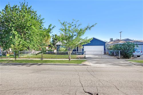 Photo of 621 W Avenue H8, Lancaster, CA 93534 (MLS # 20006213)