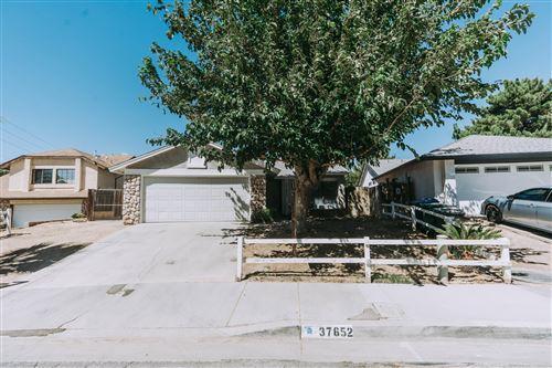 Photo of 37652 Patty Court, Palmdale, CA 93550 (MLS # 20006216)