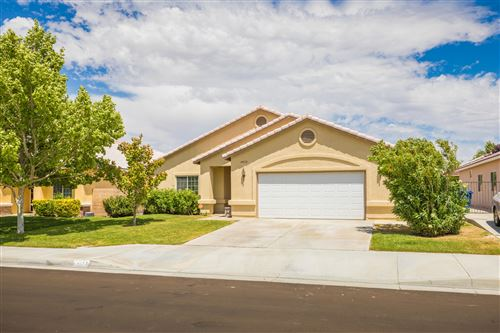 Photo of 44112 Westridge Drive, Lancaster, CA 93536 (MLS # 20004229)