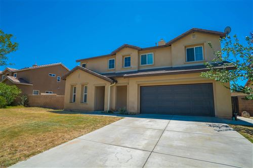 Photo of 518 W Ave H 13, Lancaster, CA 93534 (MLS # 19012230)