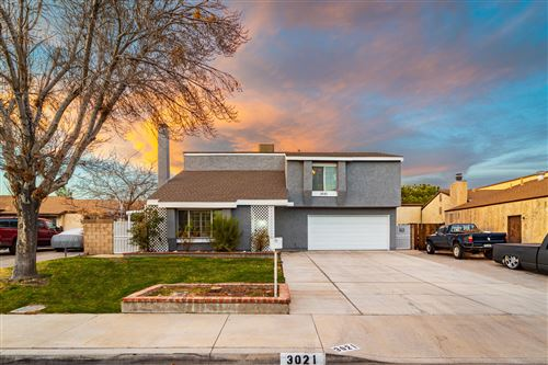 Photo of 3021 Limewood Lane, Lancaster, CA 93536 (MLS # 21000233)