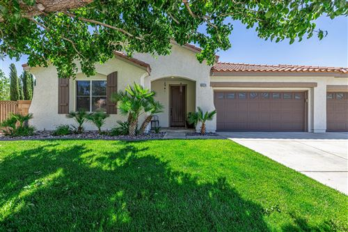 Photo of 4324 Elena Place, Lancaster, CA 93536 (MLS # 20004254)