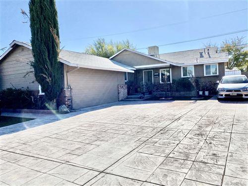 Photo of 45445 Leatherwood Avenue, Lancaster, CA 93534 (MLS # 20009263)