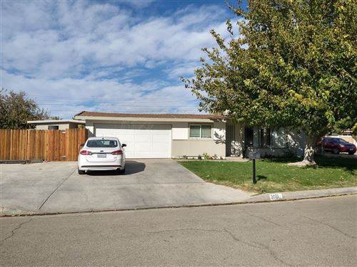 Photo of 2011 W Minford Street, Lancaster, CA 93536 (MLS # 20009276)