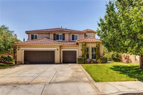 Photo of 39405 Desert Lilly Court, Palmdale, CA 93551 (MLS # 20006287)