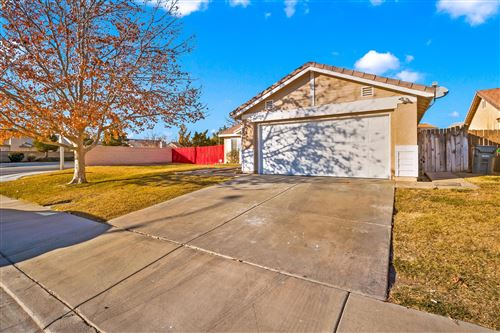 Photo of 1869 W Ave H 8, Lancaster, CA 93534 (MLS # 21000308)