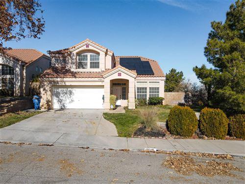 Photo of 1025 Ironwood Avenue, Palmdale, CA 93551 (MLS # 21000316)