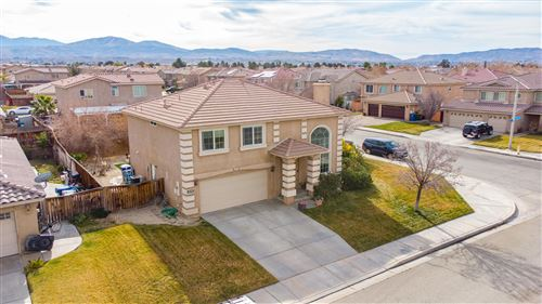 Photo of 5710 E Avenue R12 Avenue, Palmdale, CA 93552 (MLS # 21000347)
