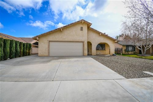 Photo of 3542 W Avenue J14, Lancaster, CA 93536 (MLS # 20002351)