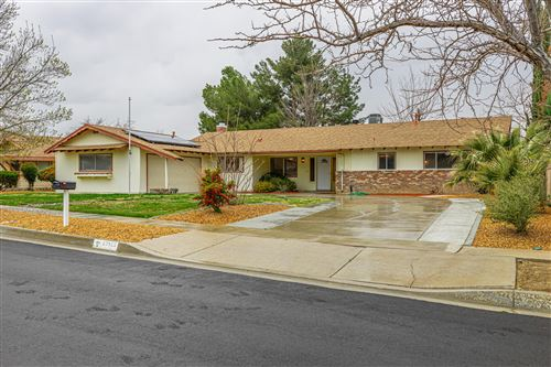 Photo of 43813 Halcom Avenue, Lancaster, CA 93536 (MLS # 20002355)