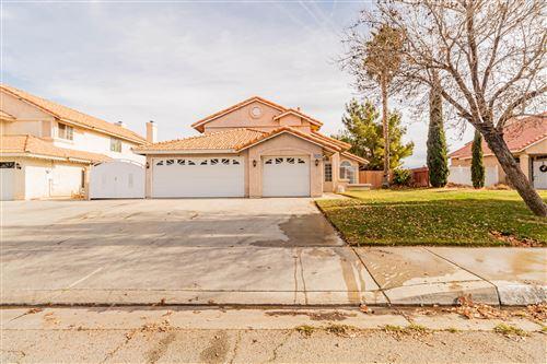Photo of 39558 Dunbar Street, Palmdale, CA 93551 (MLS # 21000357)