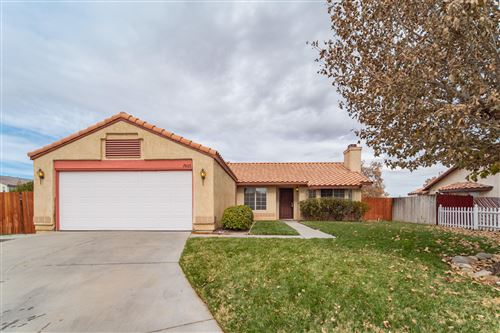 Photo of 2603 E Nugent Street, Lancaster, CA 93535 (MLS # 19012392)