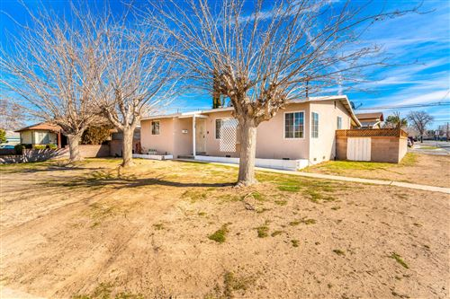Photo of 1023 W Avenue H12, Lancaster, CA 93534 (MLS # 20000440)