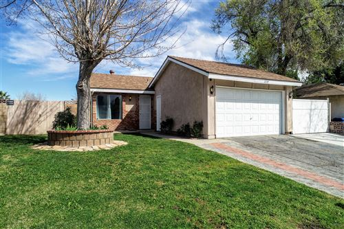 Photo of 2319 W Avenue K15, Lancaster, CA 93536 (MLS # 20002460)