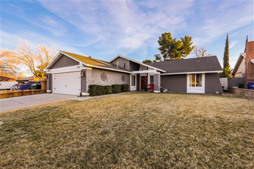 Photo of 3124 W Darkwood Street, Lancaster, CA 93536 (MLS # 21000468)