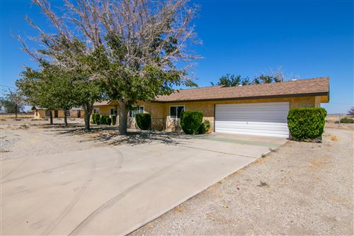 Photo of 9635 E Avenue H, Lancaster, CA 93535 (MLS # 20000474)