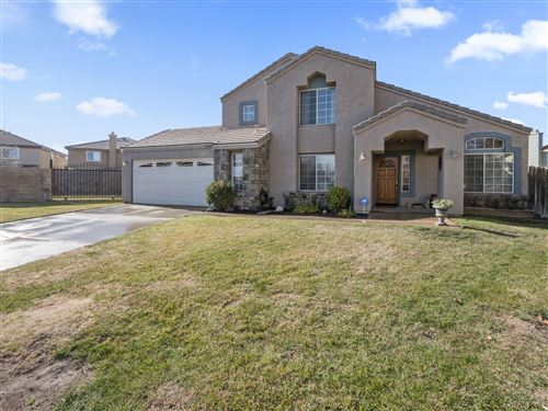 Photo of 39305 Fieldcrest Circle, Palmdale, CA 93551 (MLS # 20000486)