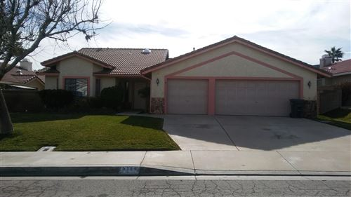 Photo of 6254 W Azalea Drive, Lancaster, CA 93536 (MLS # 20000501)