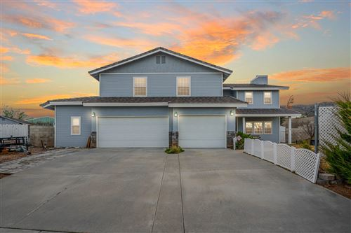 Photo of 6122 Parker Drive, Palmdale, CA 93551 (MLS # 20000538)