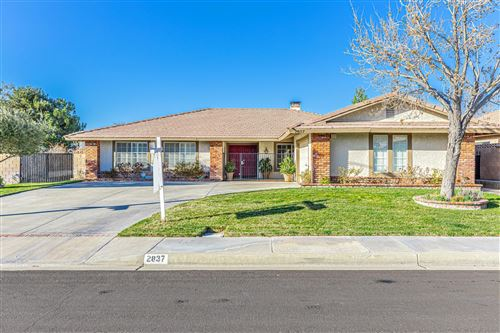 Photo of 2837 W Petro Place, Lancaster, CA 93536 (MLS # 20001548)