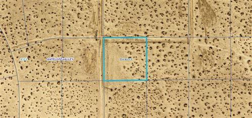 Photo of Cor Desert Poppy Rd 190, Palmdale, CA 93591 (MLS # 20007555)