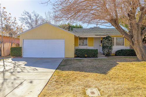Photo of 354 W Avenue J8, Lancaster, CA 93534 (MLS # 21000563)