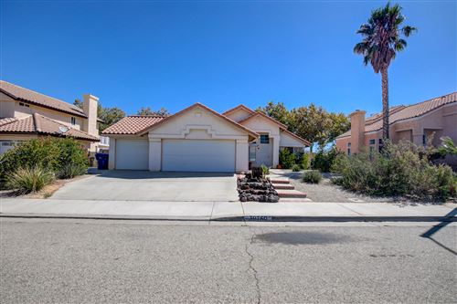 Photo of 39750 Tesoro Lane, Palmdale, CA 93551 (MLS # 19012584)