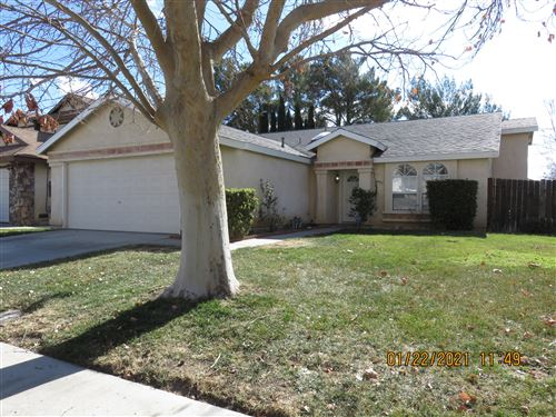 Photo of 1530 Bluebell Street, Lancaster, CA 93535 (MLS # 21000595)