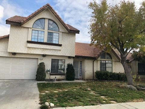 Photo of 37732 Smoke Tree Street, Palmdale, CA 93552 (MLS # 19012596)