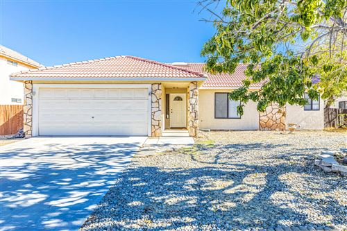 Photo of 37912 E 33rd Place, Palmdale, CA 93550 (MLS # 19012598)