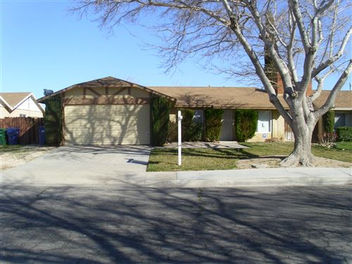 Photo of 3051 Brentwood Avenue, Lancaster, CA 93536 (MLS # 20001603)