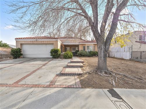 Photo of 1742 E Ave R4, Palmdale, CA 93550 (MLS # 19012619)