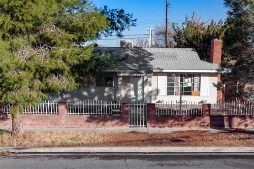Photo of 321 E Avenue J13, Lancaster, CA 93535 (MLS # 19012640)