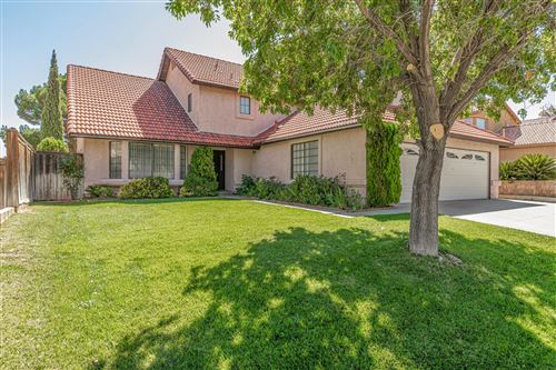 Photo of 39232 Harvard Lane, Palmdale, CA 93551 (MLS # 19012648)