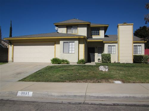 Photo of 3831 W Avenue K15, Lancaster, CA 93536 (MLS # 19012650)