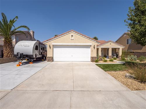 Photo of 2809 W Lingard Street, Lancaster, CA 93536 (MLS # 20007698)