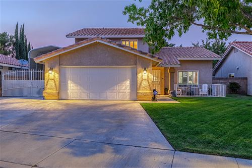 Photo of 2337 W Avenue K10, Lancaster, CA 93536 (MLS # 20007701)