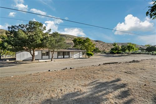 Photo of 1115 E Soledad Pass Road, Palmdale, CA 93550 (MLS # 20004719)