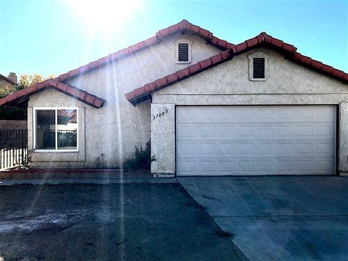 Photo of 37003 Jenna Lane, Palmdale, CA 93550 (MLS # 19012740)