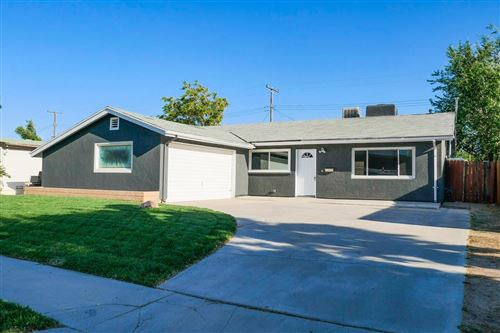 Photo of 1034 W Avenue H1, Lancaster, CA 93534 (MLS # 20004812)