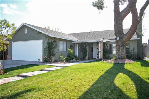 Photo of 3060 E Avenue R-5, Palmdale, CA 93550 (MLS # 19012814)