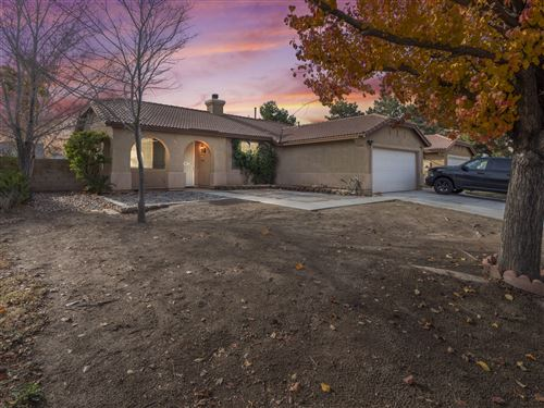 Photo of 1352 W Holguin Street, Lancaster, CA 93534 (MLS # 19012815)