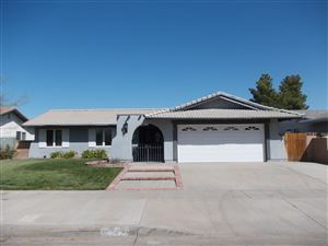 Photo of 2543 E Ave R4, Palmdale, CA 93550 (MLS # 19010898)