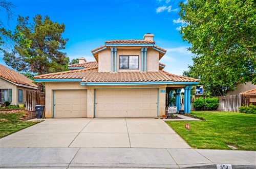 Photo of 353 Rainbow Terrace, Palmdale, CA 93551 (MLS # 20003985)